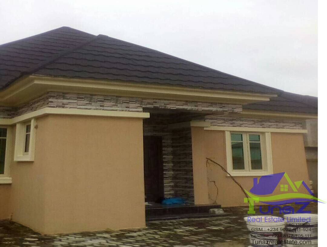 FOR SALE: 3 bedroom all room ensuite bungalow alone in compound.