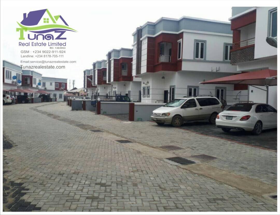 A Wonderful 4/5 Bedroom Duplexes/Terraces In Roxbury Homes In Lekki County Home For Sale