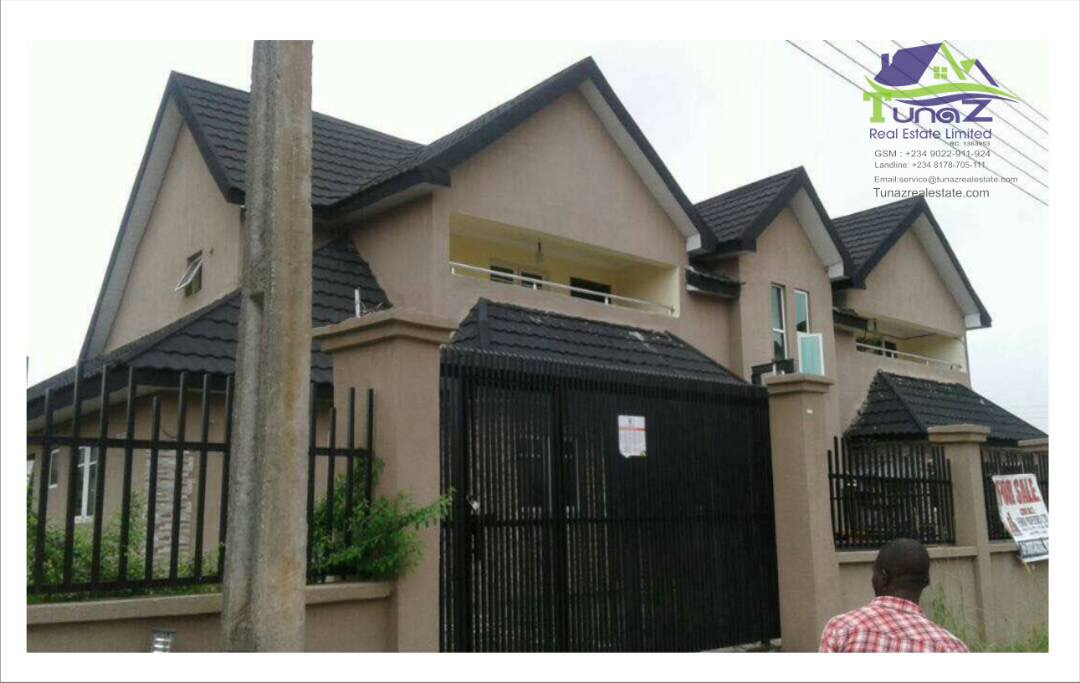 A Newly Constructed 5 Units Of 5 Bedroom Fully Detached Duplex In Diamond Estate For Sale