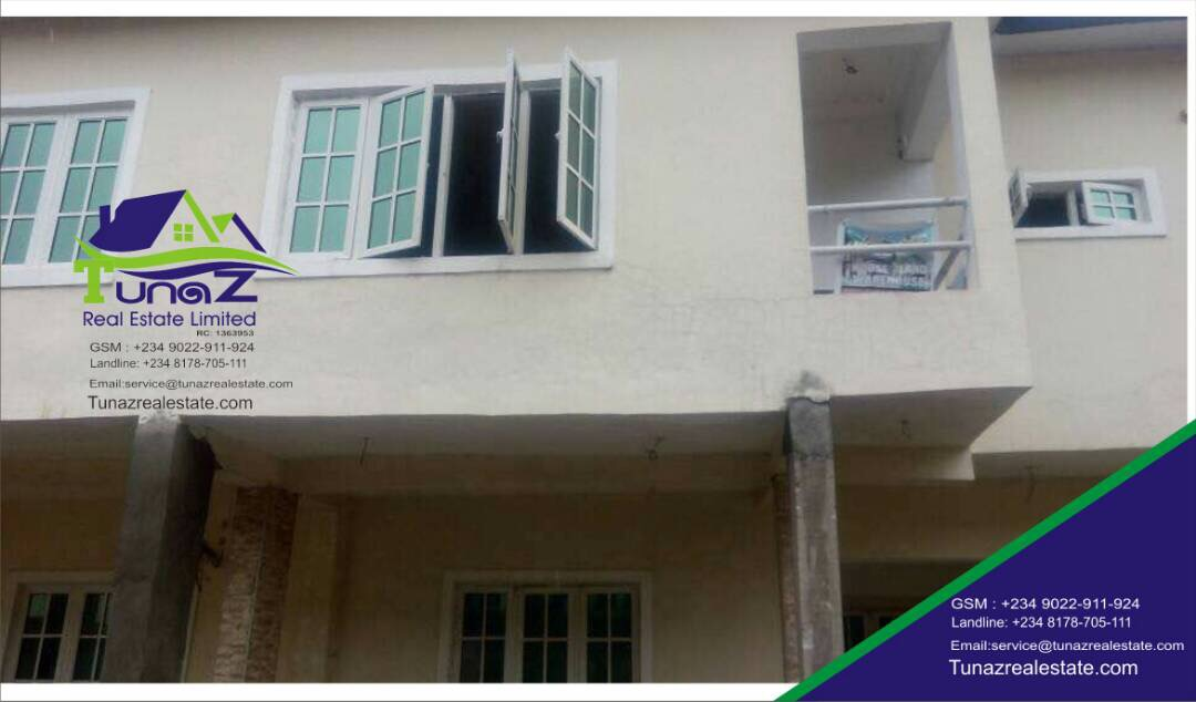 Urgent Sales!!! A Unit Of 4 Bedroom Terrace Duplex In Lekki Gardens Phase One For Sale