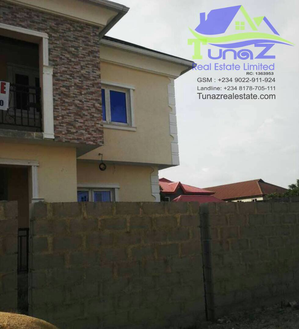 Fully Detached 5 Bedroom Duplex With Excluding BQ On A Half Plot Of Land Is For Sale