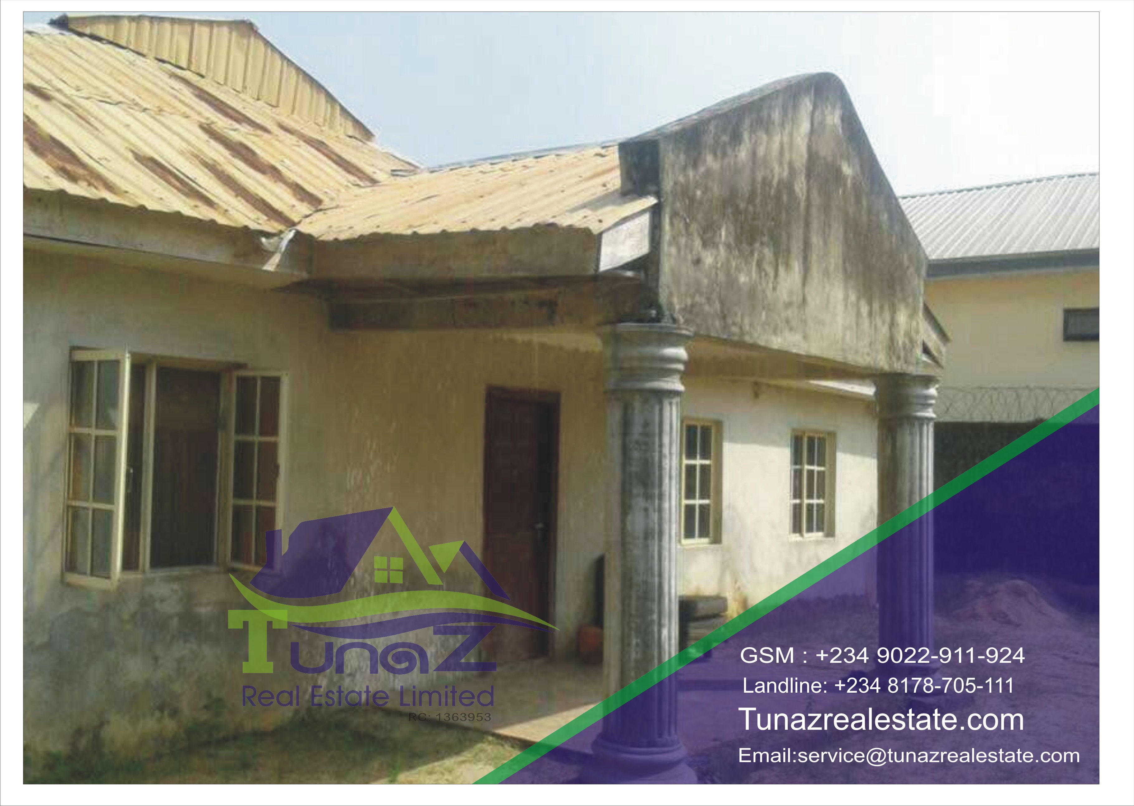 An Old 6 Bedroom Bungalow For Sale